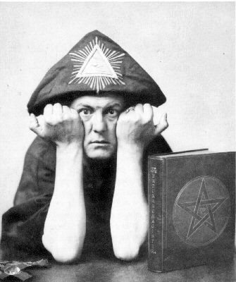 gg64055,1278869523,aleister-crowley1