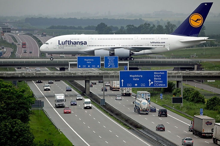 it66098,1285790440,A380overAutobahn