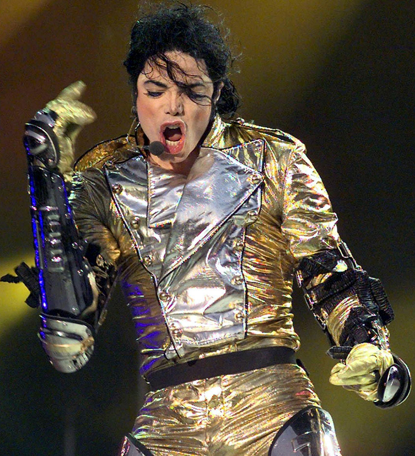 np65701,1284199981,MJ-history-outfit-c