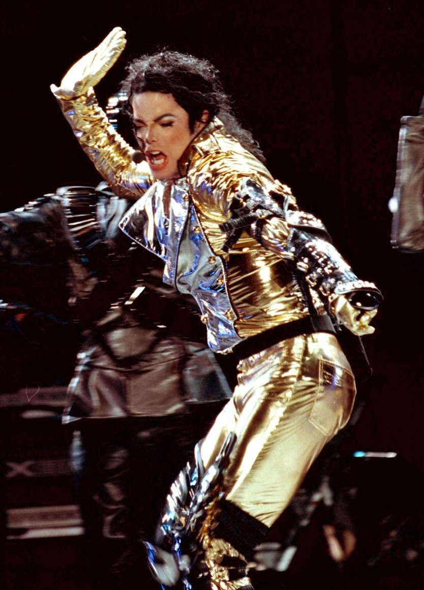 HISTORY TOUR  Np65701,1284199981,MJ-in-GOLD-History-Tour-michael-jackson-8241401-834-1159