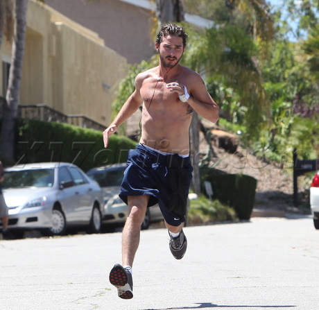 np66944,1287776070,shia-labeouf-running-shirtless-1-shiantology