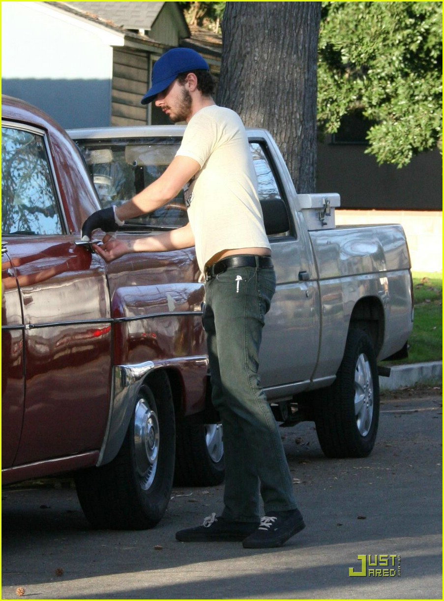 np66944,1288550827,shia-labeouf-vintage-car-03