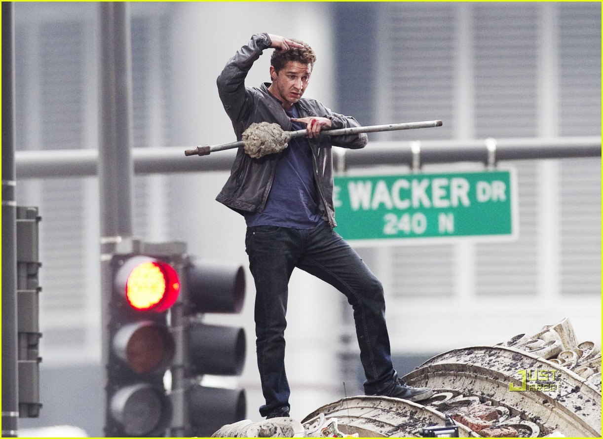 np66944,1288704595,shia-labeouf-transformers-3-funny-face-action-sequences-02