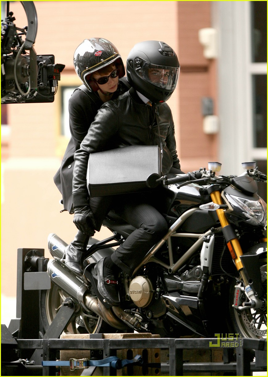 np66944,1288870140,shia-labeouf-carey-mulligan-motorcycles-04