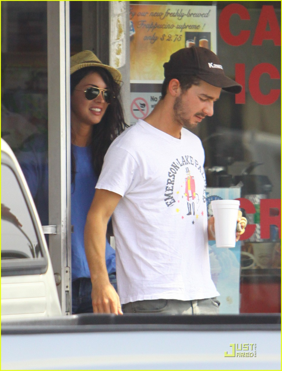 np66944,1289401492,megan-fox-shia-coffee-costars-01