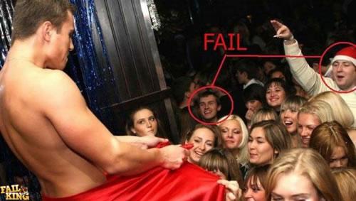 An den Beitrag angehängtes Bild: http://www.allmystery.de/dateien/uh43048,1257891179,male-stripper-fail.jpg