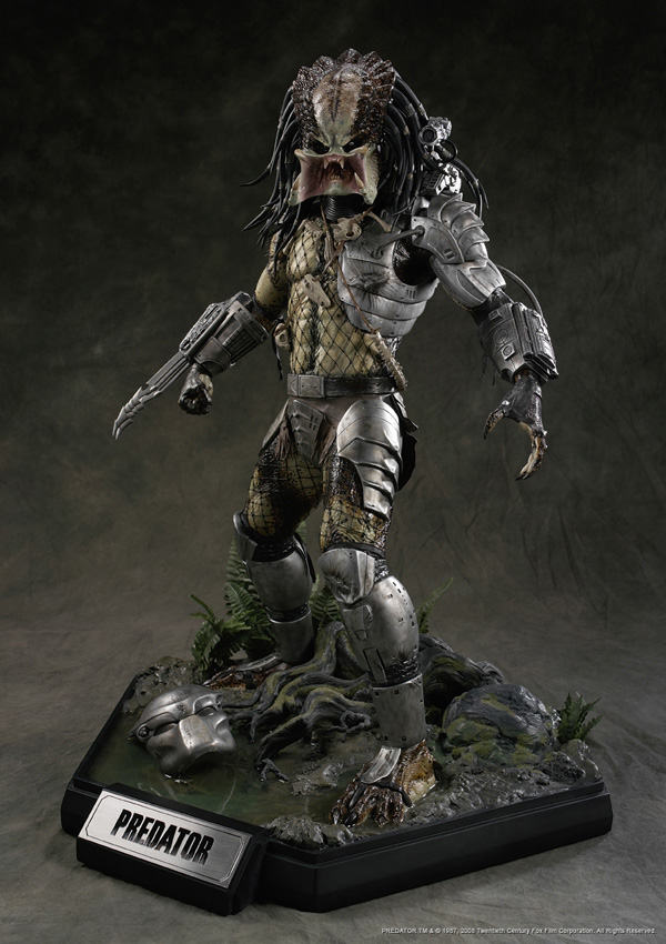 uh43048,1264890565,cinemaquette predator figure  1