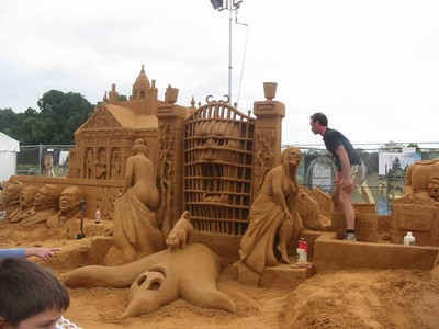 uh43048,1265144690, amazing sand sculpture