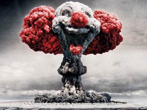 uh43048,1265801297,fake,photo,manipulation,photography,bomb,bozo,clown-db5fcaa241220ca255d7bf121a147bac h