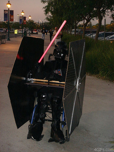 uh43048,1278425392,Vader costume