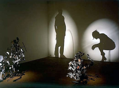 uh43048,1292761066,shadow-art-3