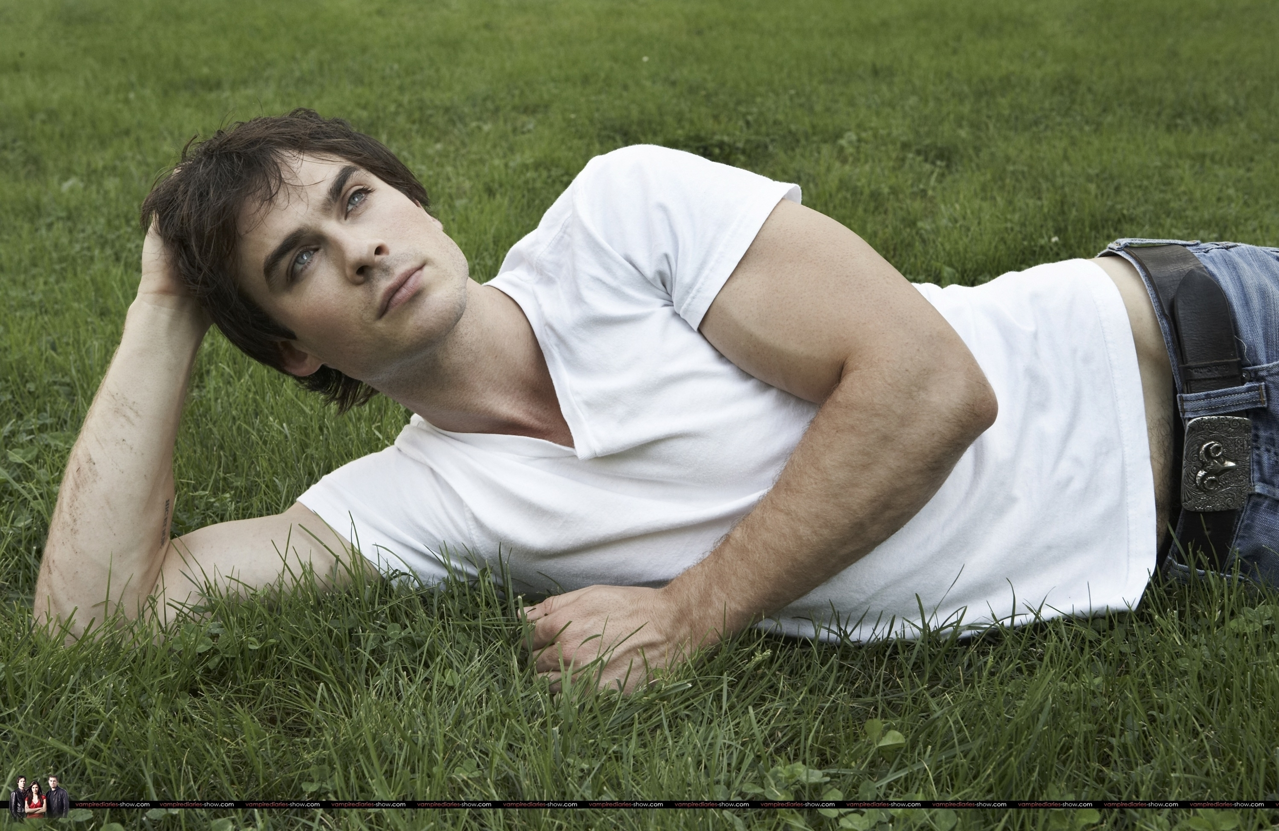 uh60450,1289049248,Ian-Somerhalder-2009-Self-Assignment-the-vampire-diaries-8119218-2560-1664