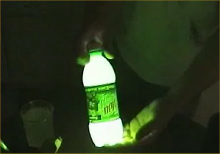 How-To-Make-Glow-In-The-Dark-Mountain-Dew