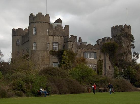 uh64567,1280724207,malahide-castle-ireland