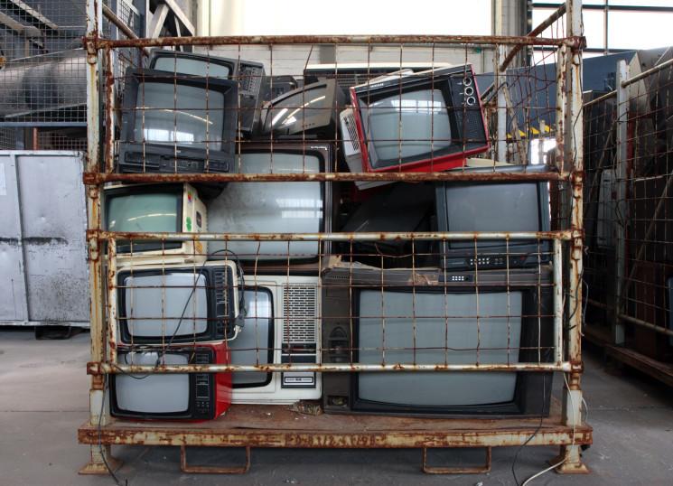 wieviel tv ger te habt ihr in eurem haushalt allmystery. Black Bedroom Furniture Sets. Home Design Ideas