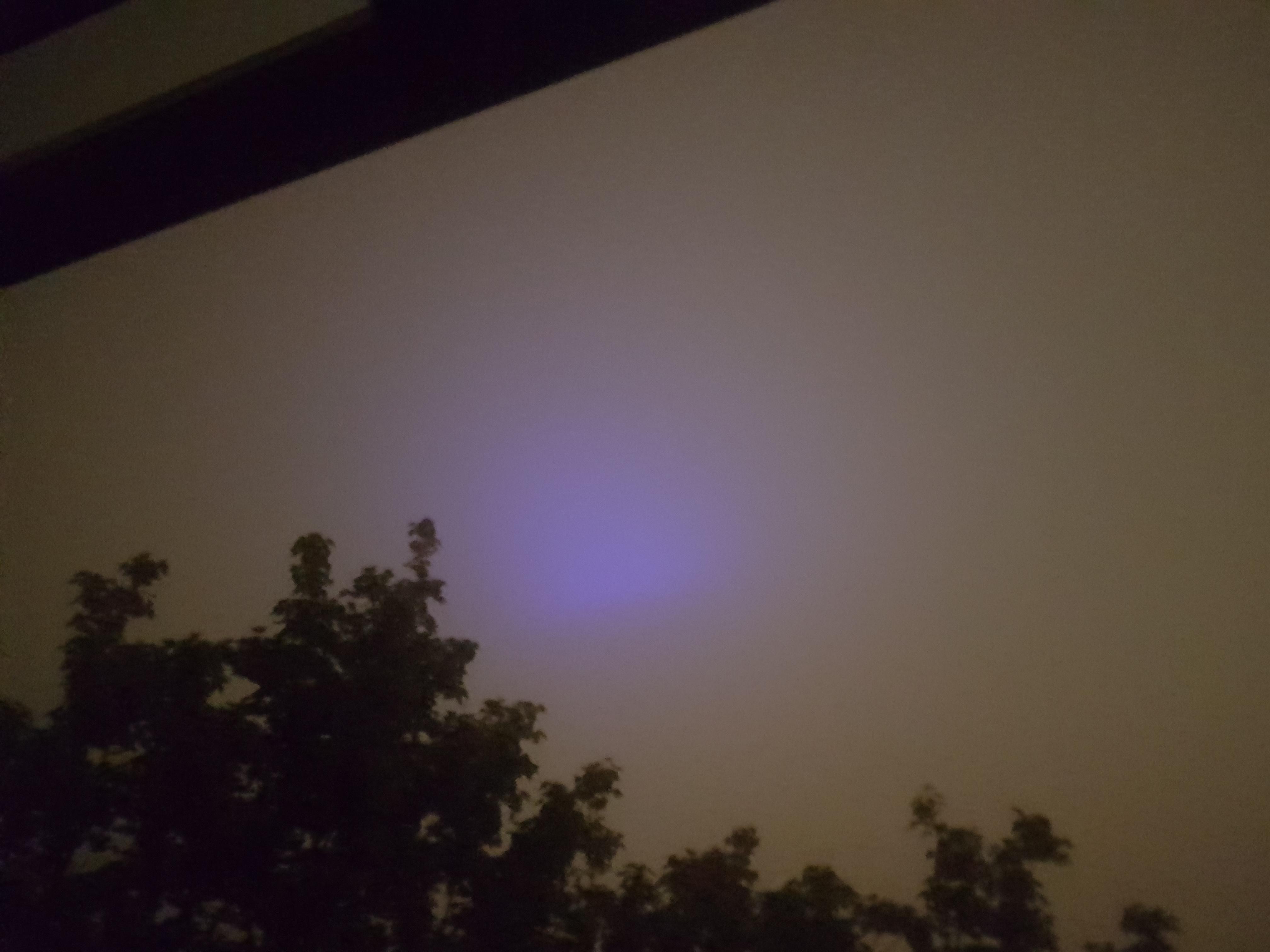 Das Ist Blaues Licht Und Was Macht Es Es Leuchtet Blau Allmystery