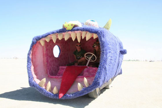 t8c535b crazy-shark-car