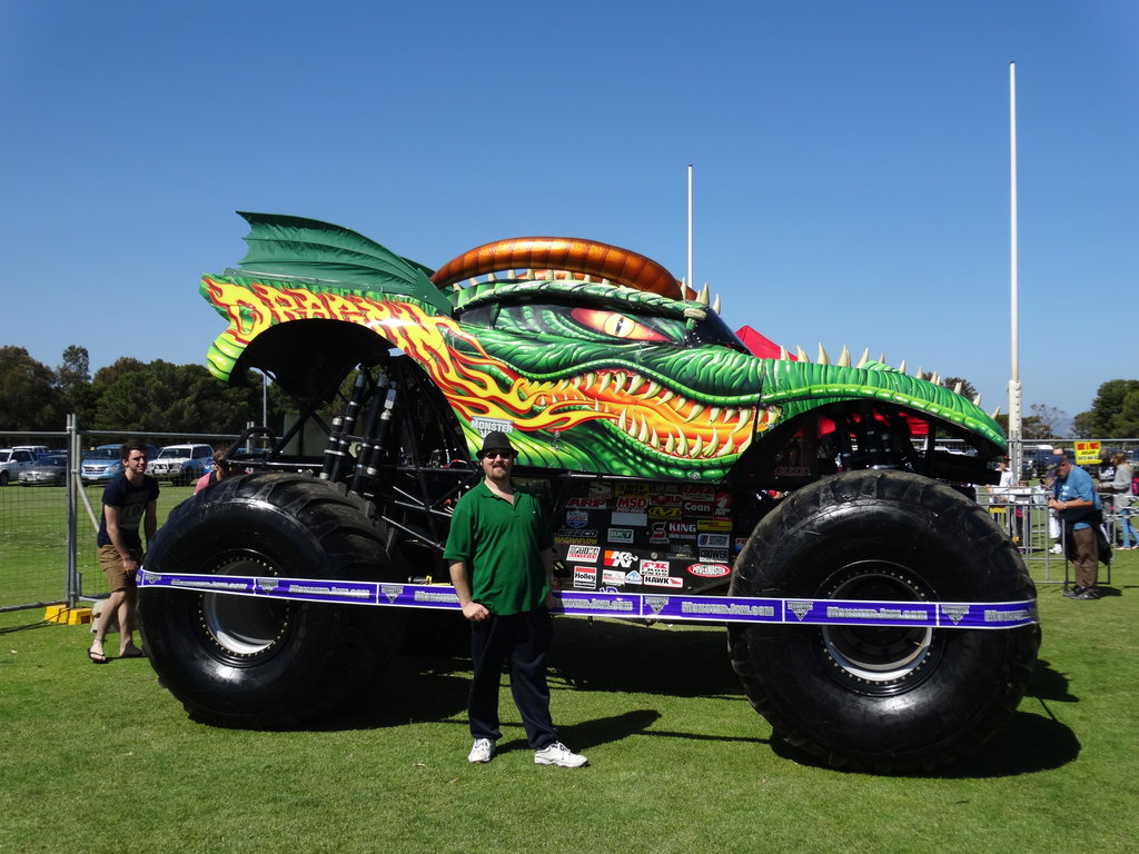 t333d18b monster jam adelaide 2014  drag
