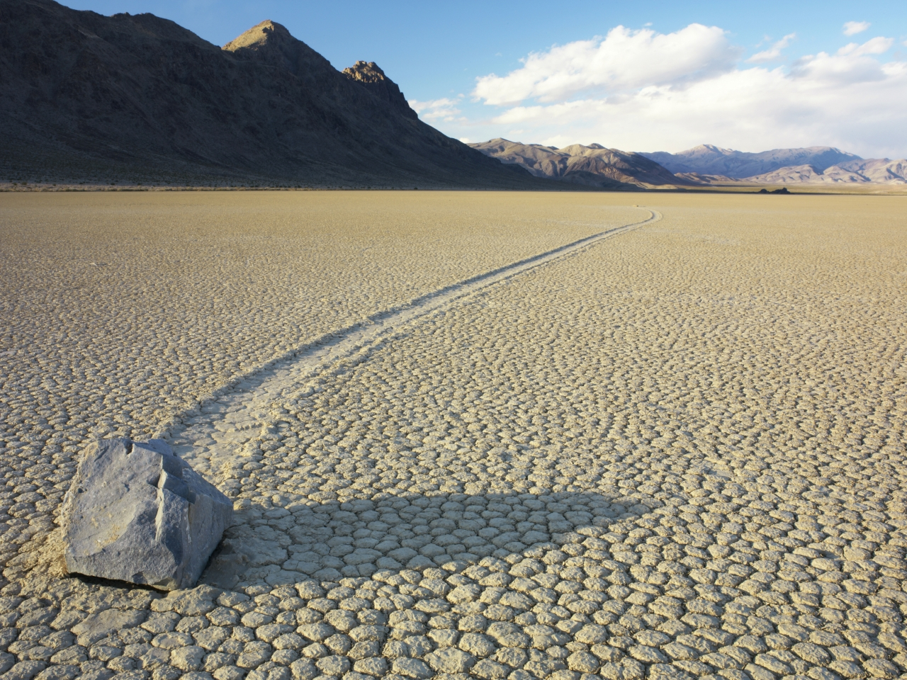 death-valley-nationalpark-stein