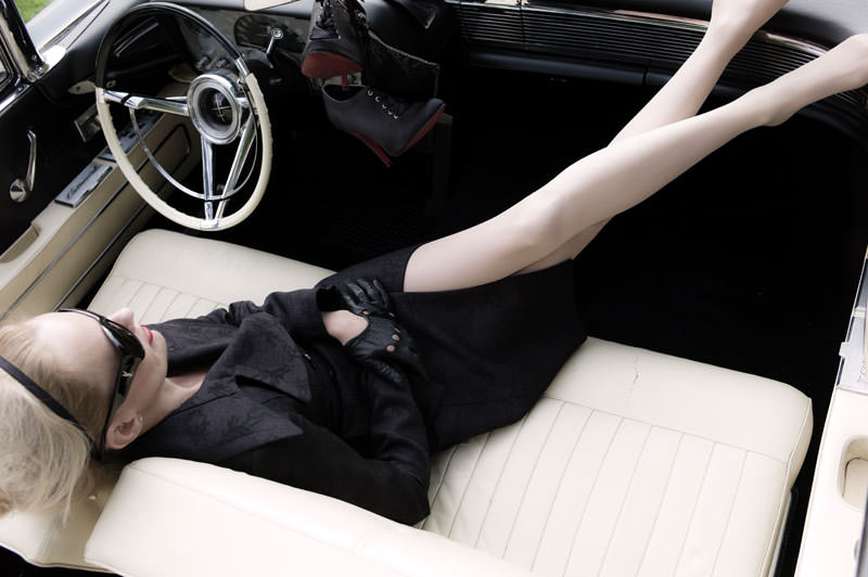 woman-legs-sexy-car-classic-vintage