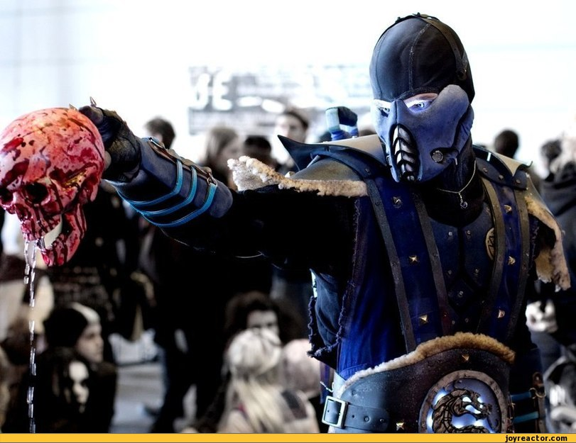 sub-zero-cosplay-awesome-mortal-kombat-4.jpeg