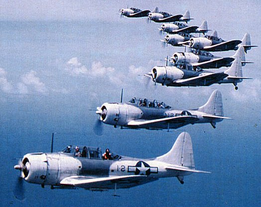 douglas-sbd-5-dauntless-dive-bomber-01