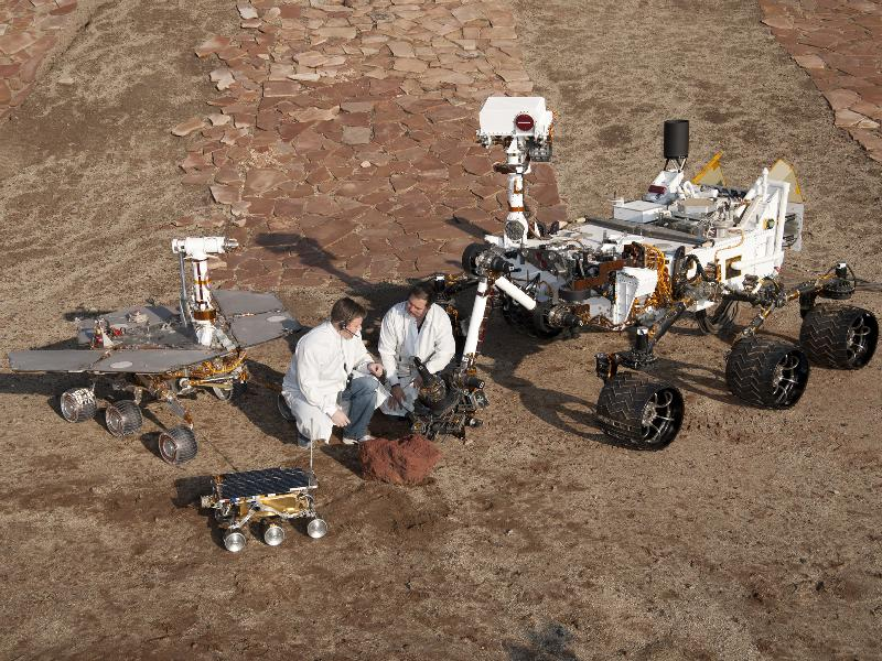 nasa-mars-rovers-size-comparison