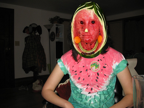 creepy-watermelon-face-14338-1241756419-