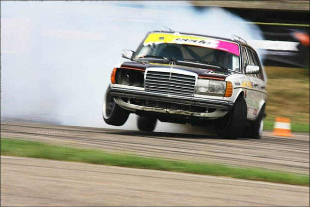 black-smoke-racing-diesel-merc-drift-wag