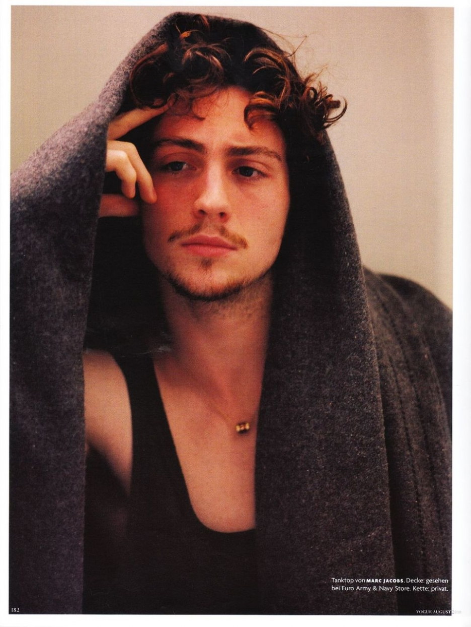 72a5d8 Aaron johnson