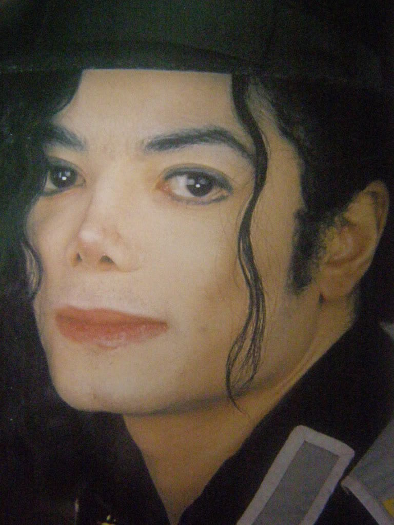 OMG HE IS GORGEOUS michael jackson 10501