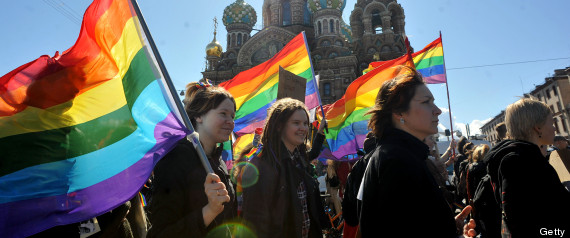 r RUSSIA GAY TOURISTS large570