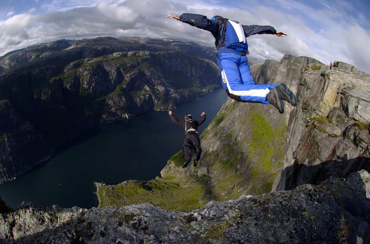 Extrame-Base-Jumping