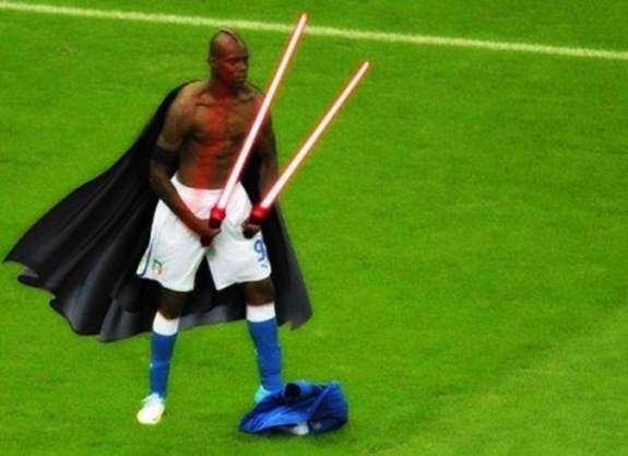 Mario Balotelli Fun Pic Star Wars Darth