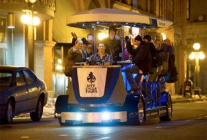 tQesard pedalbus-Human-Powered-Bar-on-Wheels-04-