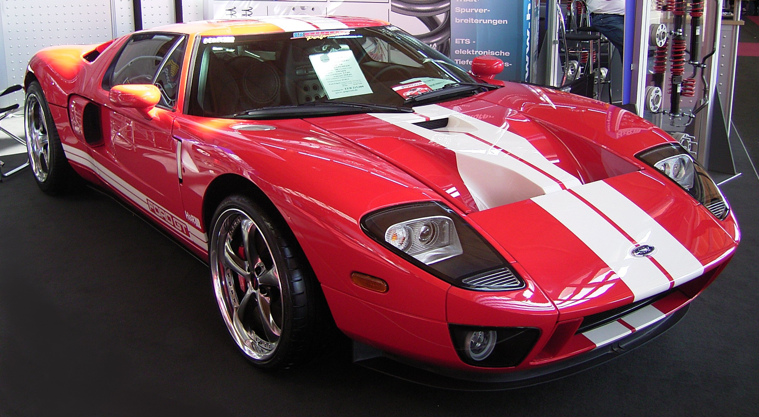 tRO9elY Ford GT