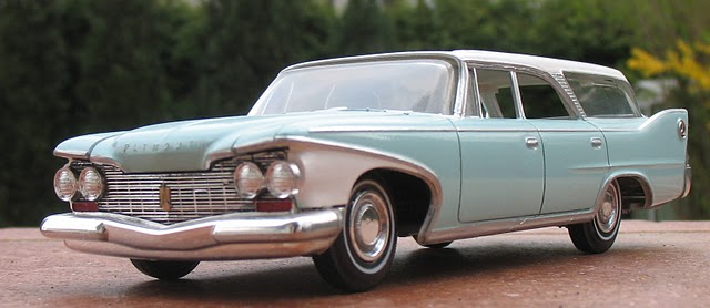 tReDlOd 1960 Plymouth Station Wagon front.JPG