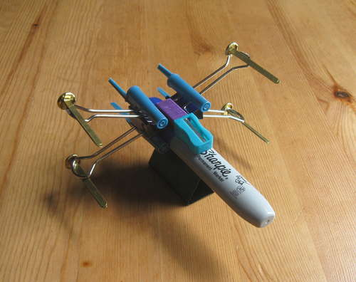 tRwasEE X-Wing-Fighter-from-Office-Supplies