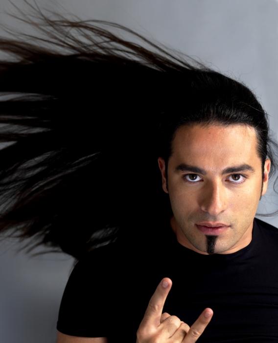 männer lange haare zopf