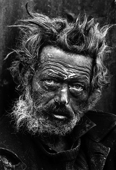 tXcmZa5 RLzJLY Don-Mccullin-Homeless-Irishman