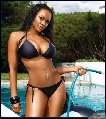 hot-ebony-bikini-girl