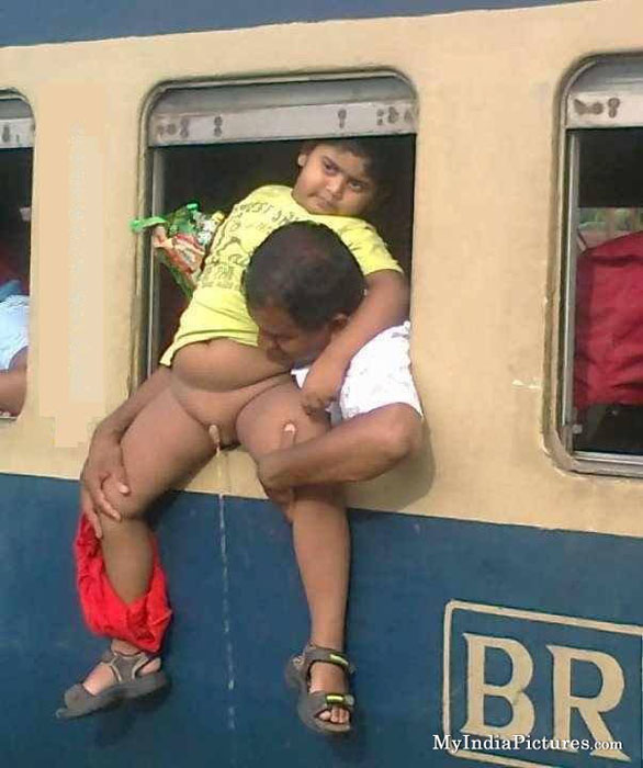 train-window-and-kid-peeing-toilet-funny