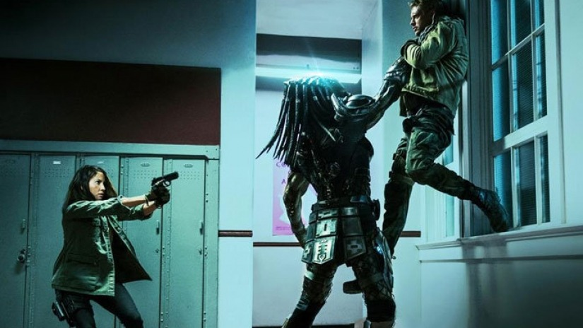 lots-of-new-stills-from-the-predator-696