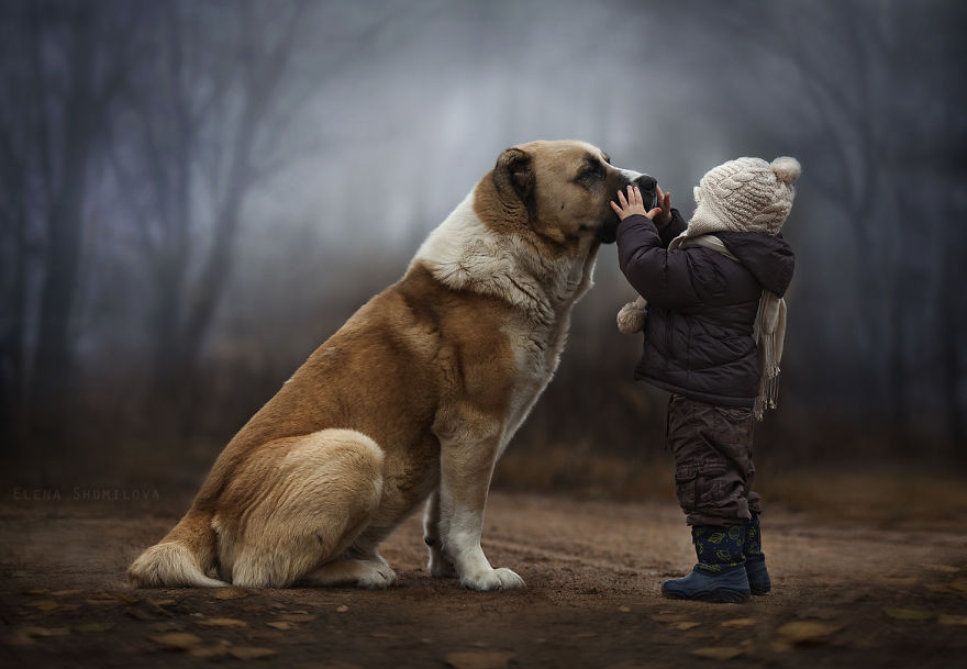 animal-children-photography-elena-shumil