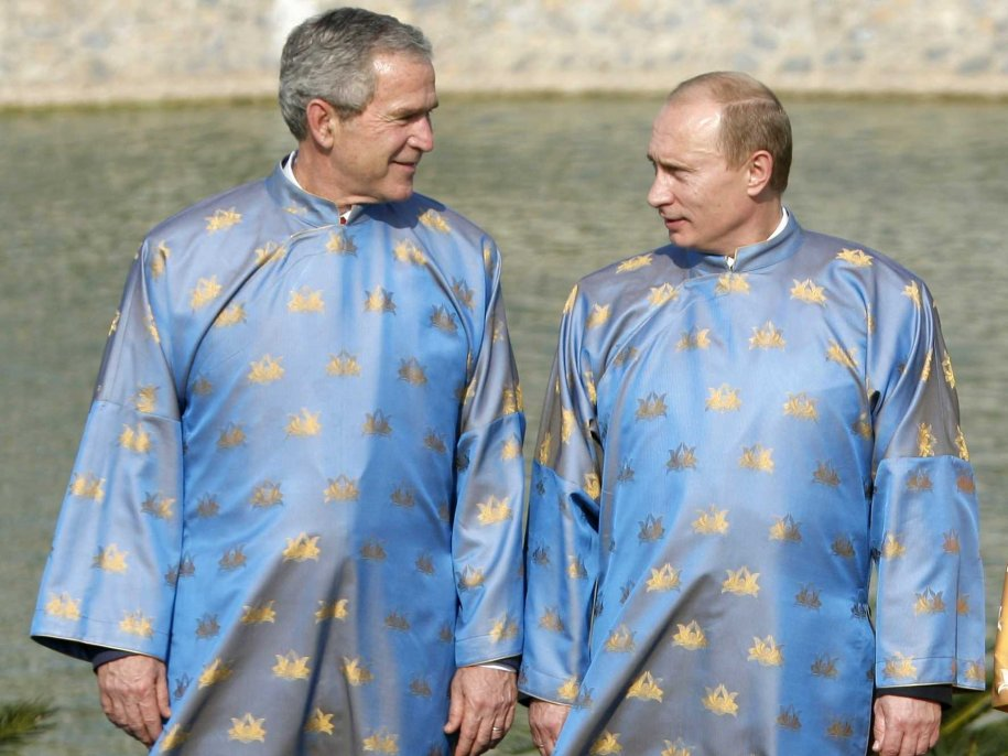 his-twin-day-with-vladimir-putin-in-hano