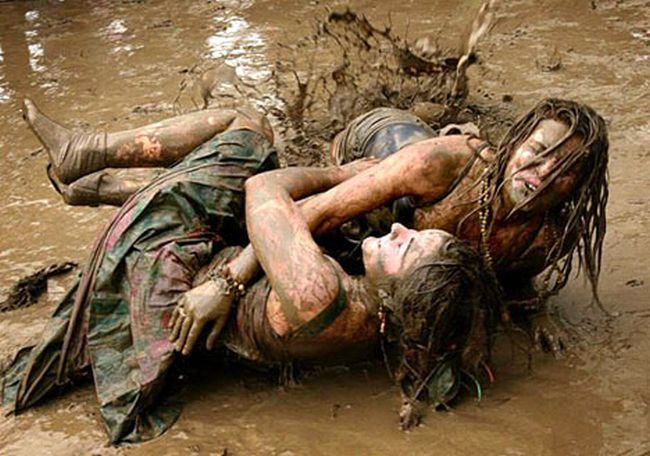 mud fight girls 00