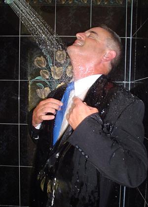 duschen mit klamotten