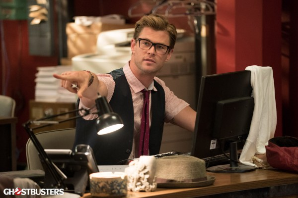 ghostbusters-cast-image-chris-hemsworth-