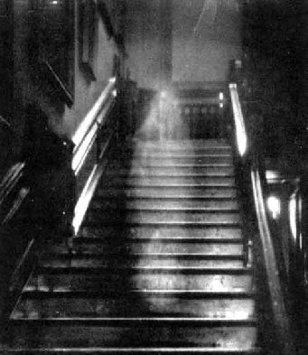 tfFZgyb ghost picture 3