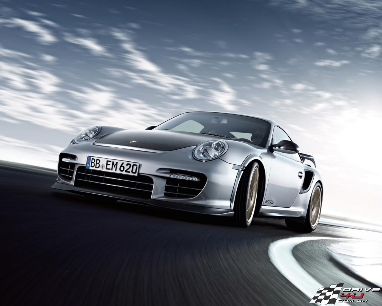 Porsche-911-GT2-RS-2011-wallpaper-8x1280